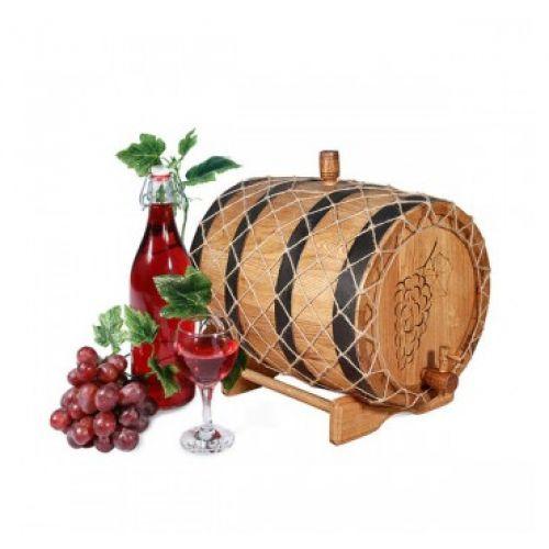 Деревянные бочки для хранения вина